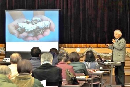 昭和52年の2トンを最後に獲れなくなった中海産の赤貝(サルボウガイ)  平成18年から復活に向けて取組を開始し、平成25年に養殖赤貝を初出荷