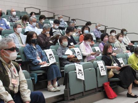 松尾講師の話に熱心に耳を傾ける受講生