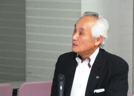受講生に、リーダーとしての考え方を熱く語りかける林繁幸氏