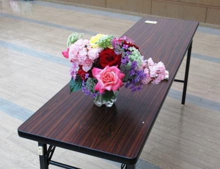 受講生が持参した花束:講座の雰囲気を明るく彩りました