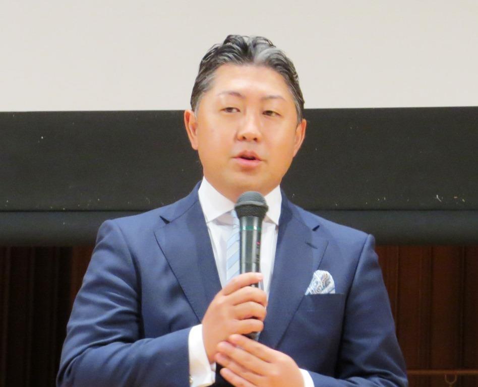 熱い思いを語る田部長右衛門氏