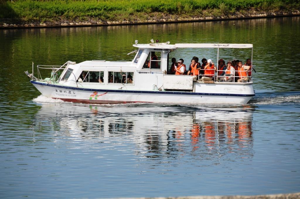 「矢田の渡し号」に乗って嫁ヶ島に上陸、大橋川両岸の地形を確認