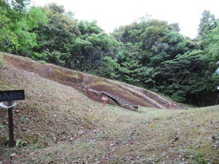 今なお、埋納当時の雰囲気に浸ることが出来る 荒神谷遺跡