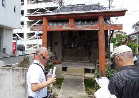 江戸時代の豪商が京都から勧請した伏見稲荷神社 ここも初めて知りました
