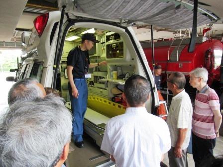 救急車について北消防署員の方に教わる 学んでいる最中にも出動命令を受ける!